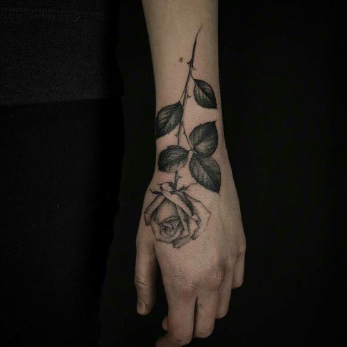 De 100 Tatuajes De Rosas Con Imagenes Y Significados